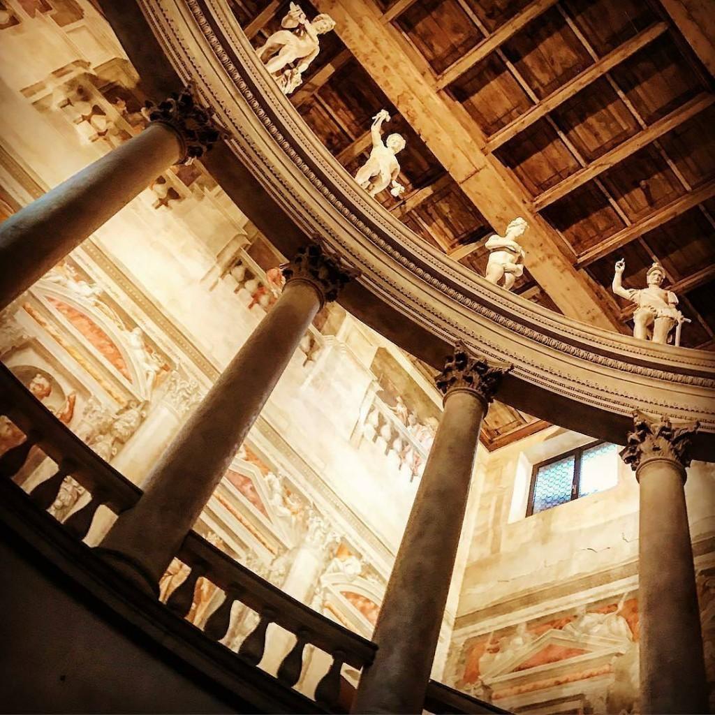diegoeffe questa sera ci porta a teatro Visione da Patrimoniohellip