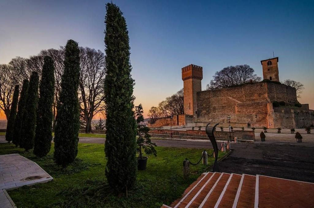 Castello di Volta Mantovana risalente al XI secolo Prima deihellip
